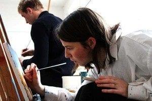 Den berømte kunstner Kræsten Krum Byskov underviser i Maleri på Grundtvigs Højskole