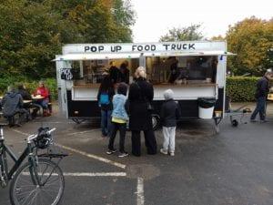 Eleverne i faget Gør en forskel bruger deres Pop Up Food Truck til mange arrangementer