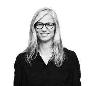 Forfatter Hanne Kvist underviser på sommerkurset Skriv selv på Grundtvigs Højskole. Et kursus med skriveværksteder, forfatterværksteder, møde med redaktører fra Gyldendal eller Gladiator