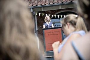 Grundtvigs Højskole afholder stort arrangement under navnet Grundtanker på Grundlovsdag med elevtaler, koncerter og masser af gæster udenfor.
