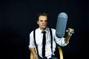 Krister Moltzen, der laver podcast på Third Ear, kommer til Grundtvigs Højskole på sommerkurset Radio for at fortælle om at fortælle historier radiofonisk